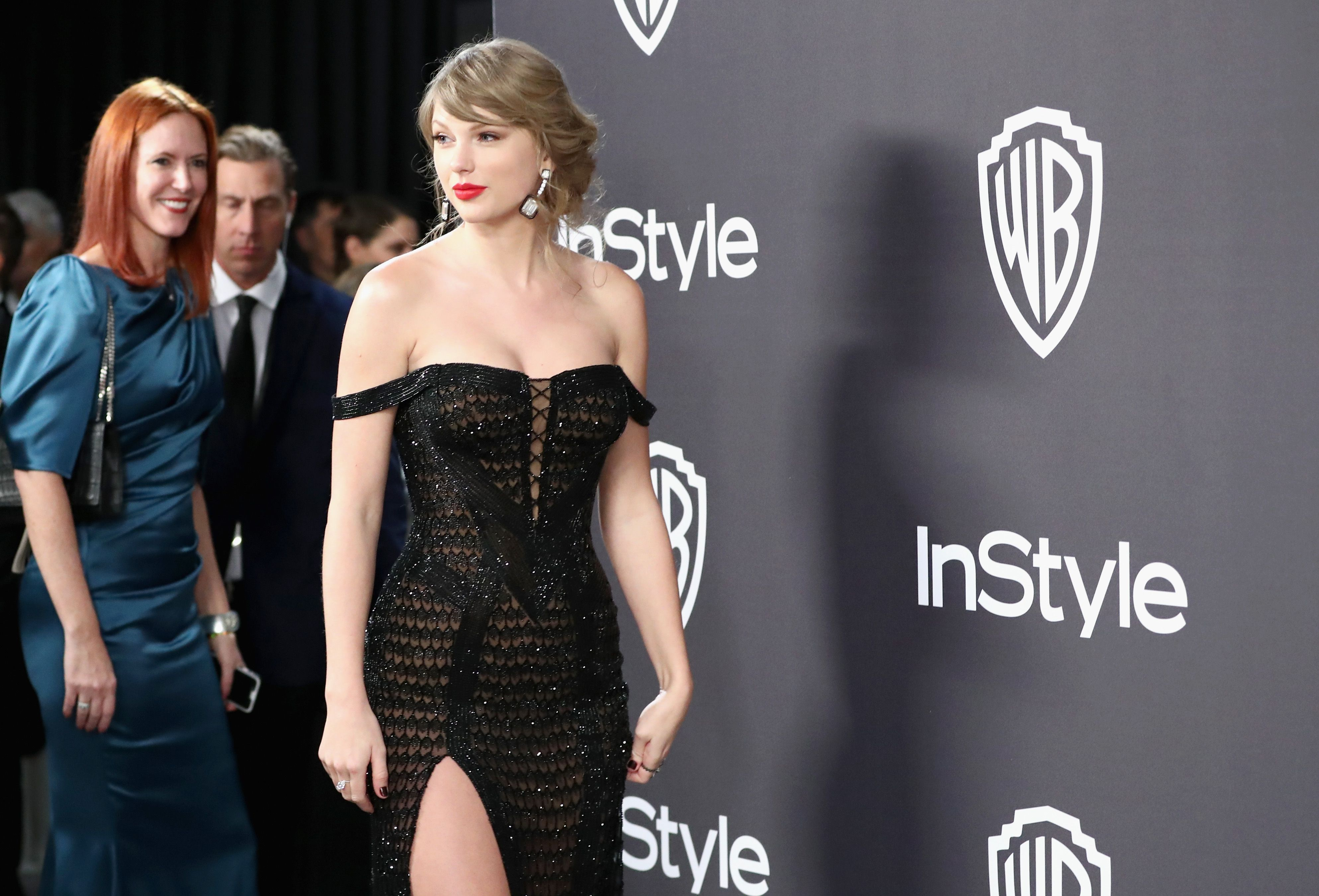 How Practical Was Taylor Swift S Dress At The Golden